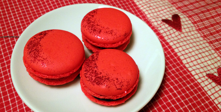 Macarons with christmas spices
